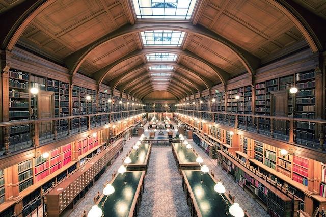 Bibliotheque-de-lHotel-de-Ville-Paris-2012